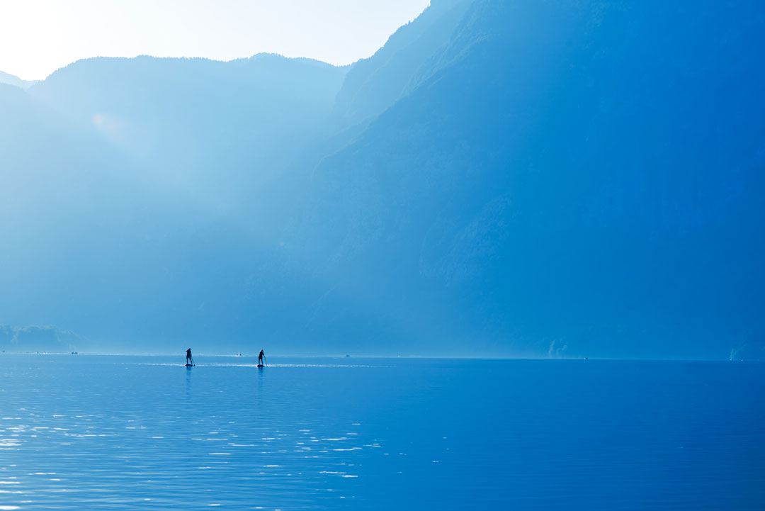Stand-up-paddle-boarding-on-lake-bohinj-PPR4FSV
